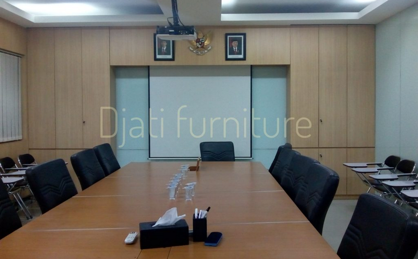 meja rapat